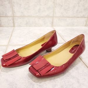 Naturalizer red shoes size 7.5 women leather